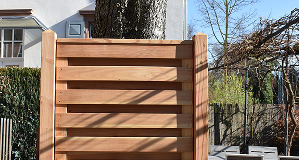 sichtschutz s hl tore und systempfosten aus l rche zaunfabrik natur nahe freiburg. Black Bedroom Furniture Sets. Home Design Ideas